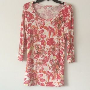 CAbi # 886 Splash Floral top. -3/4 Sleeve Spring